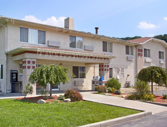 Super 8 Motel - Click for Website Info